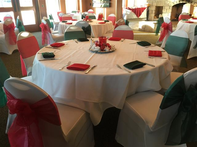 Table setup with green and pink colors